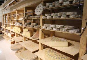 étagère fromagerie