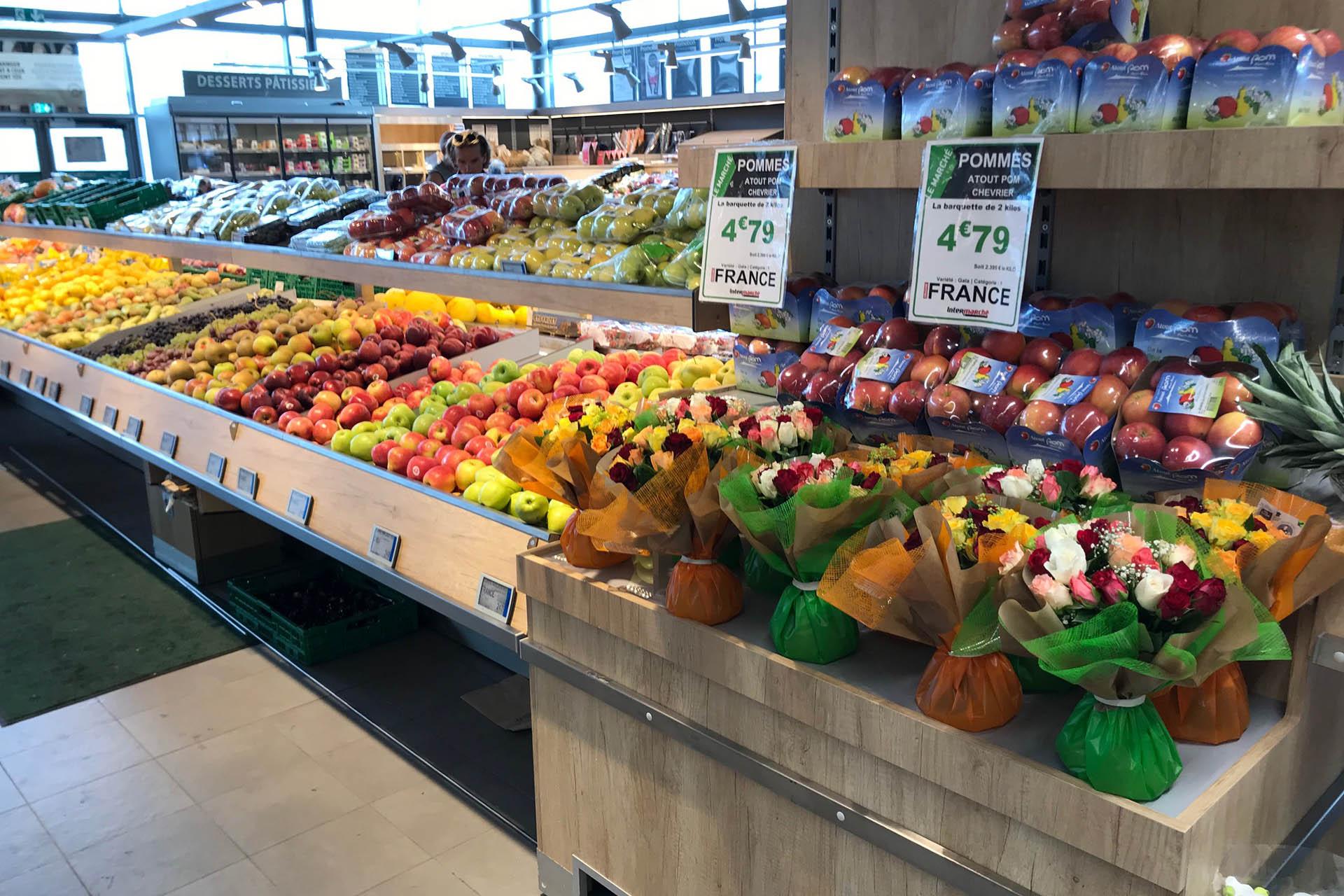fleurs et table fruits légumes